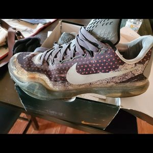 Nike Kobe basketball shoes (used)
